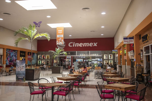 Cinemexis one of two movie theatersin Playa del Carmen, showing films in English and Spanish.